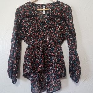 Long Sleeve Floral Spring top lightweight size xl